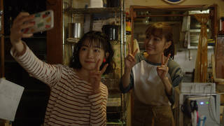 いい子キャラの小川紗良が内田理央を崩壊させる!『向かいのバズる家族』